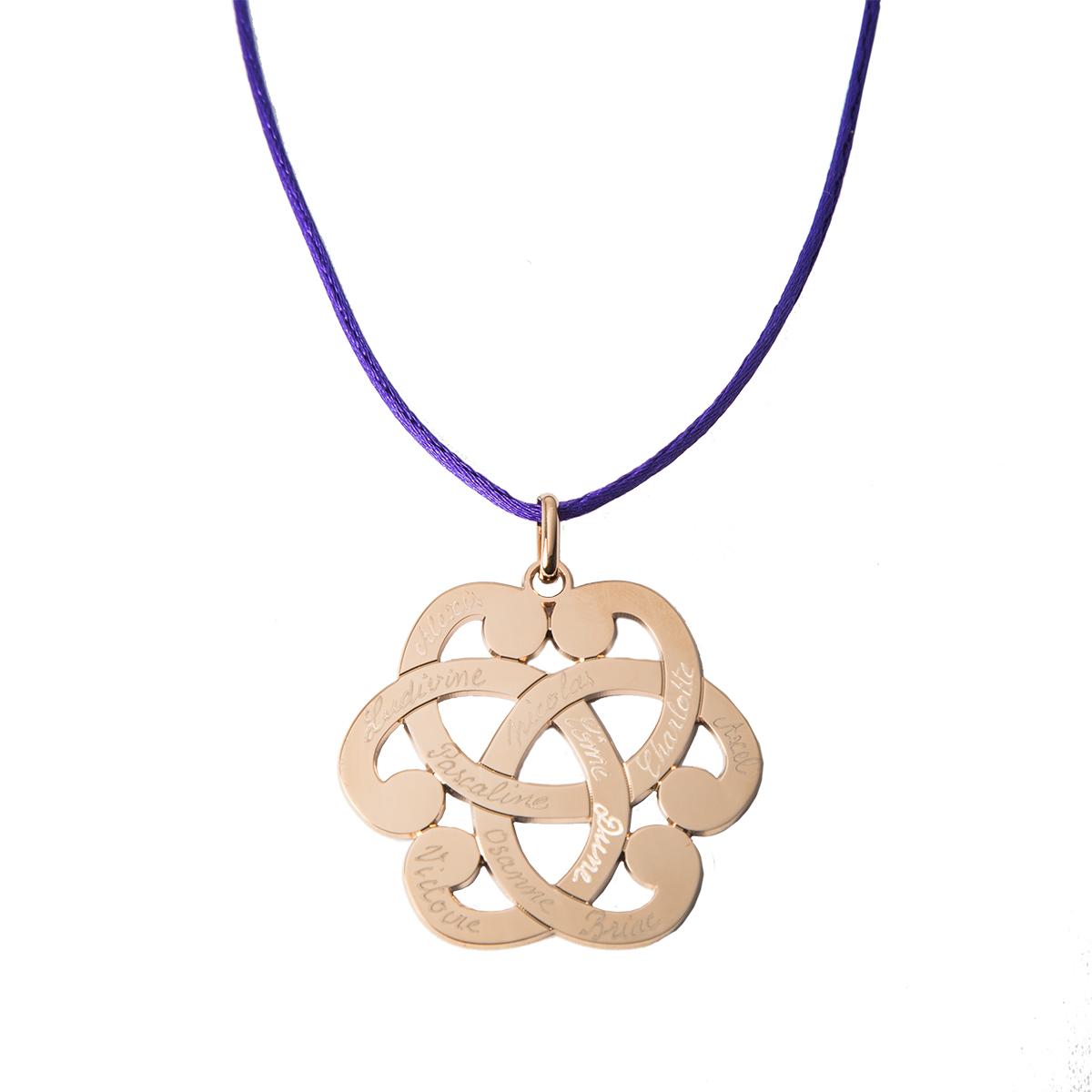 Un collier pour femme